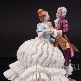 Фарфоровая фигурка Танцующая пара, кружевная, Capodimonte, Италия, вт пол. 20 века.